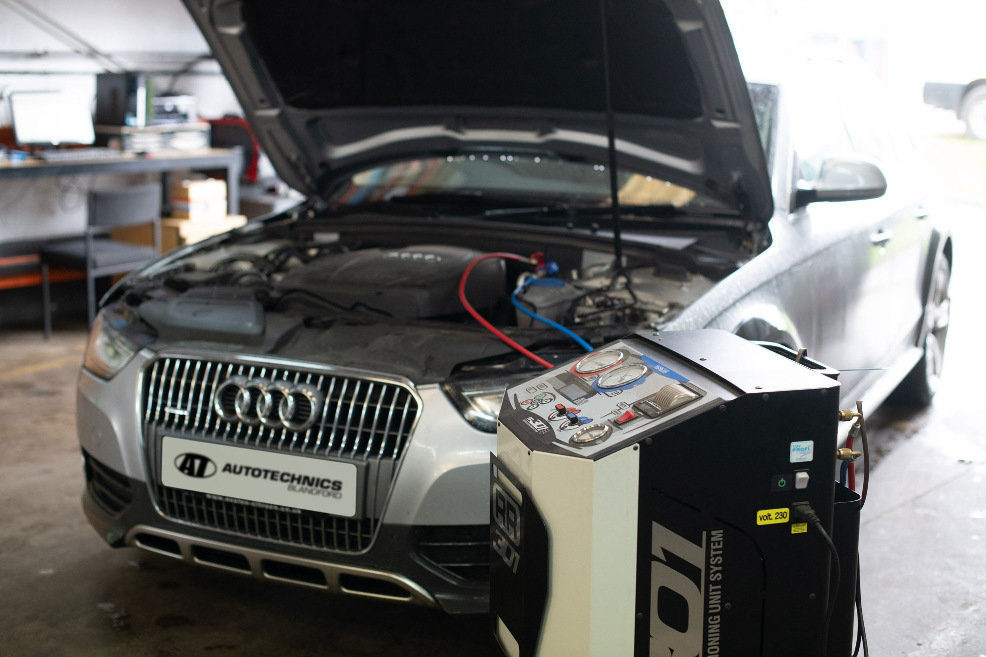 Air Conditioning repairs, re-gas and servicing at Autotechnics Blandford